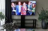 LG OLED77C8P Reviews